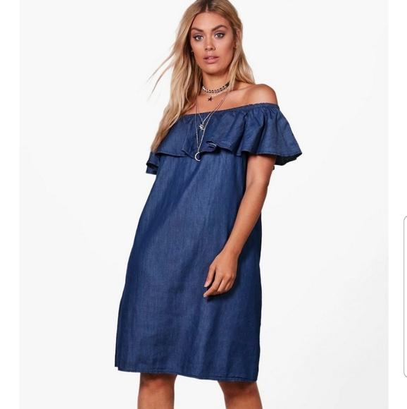Boohoo Plus size off shoulder jean dress NWT